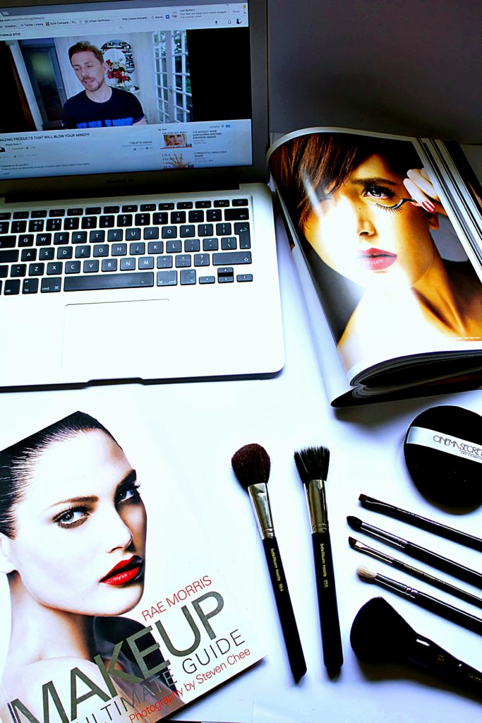 Makeup-artist-books-training-wayne-goss-make-up-brushes